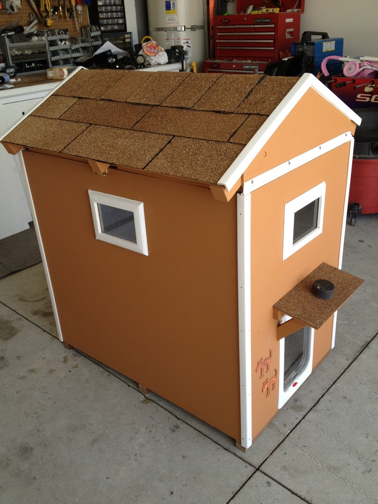 Two Story Dog House with hinged roof windows carpeted floors flapping door with locks u0026 solar porch light. Next project.sorry babe ) & 67 best Habitat Handyman Doghouse Challenge images on Pinterest ... memphite.com