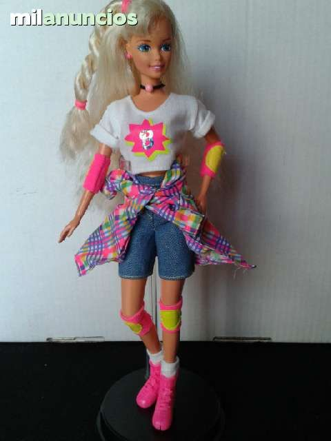 BARBIE PATINADORA DE LOS 90 - foto 1
