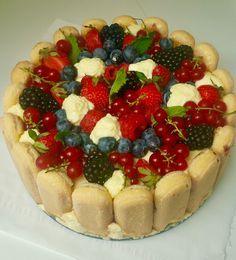 Ho preparate questo dolce per la festa del mio compleanno! Una versione fresca, estiva di questo dolce, con una crema di mascarpone alla vaniglia veramente