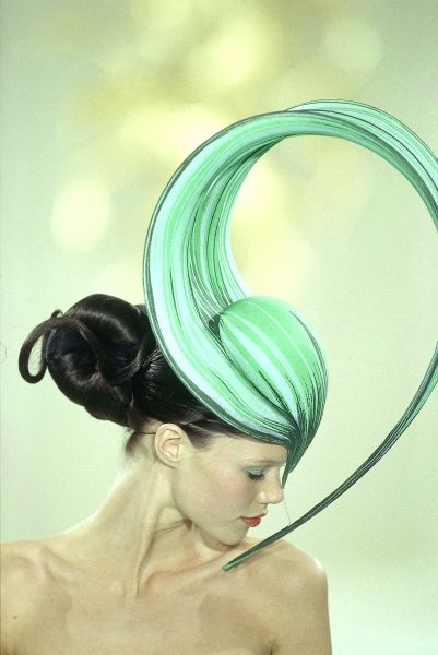 Philip Treacy 2000 - Spring!