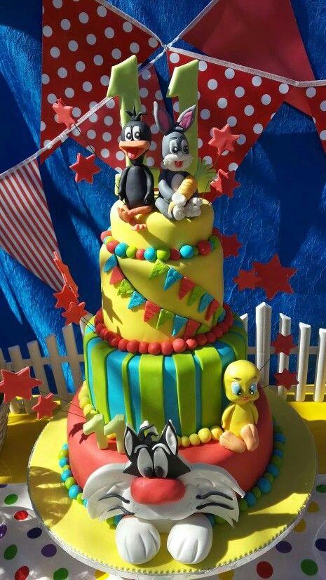 Looney tunes cake.