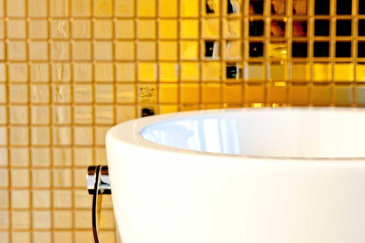 NALA Indivduellhotel | Designhotel | Innsbruck | Austria | http://lifestylehotels.net/en/nala | Bathroom | Luxury | Gold