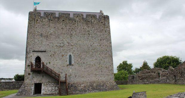 Замок Атенрай в графстве Голуэй