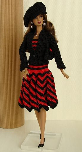 Este e um blog sobre artesanato, mais especificamente croche, roupas para boneca barbie, roupas de croche, saias de croche.