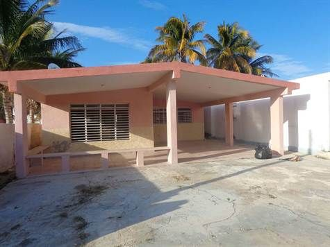 Home For Sale in Chelem Chelem, Yucatan. For Sale at $901,000.00. Calle 14, Chelem Mexico.