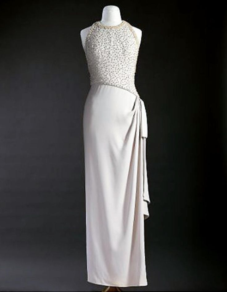 486 best royal family princess diana 39 s dresses images on for Wedding dresses mall of america