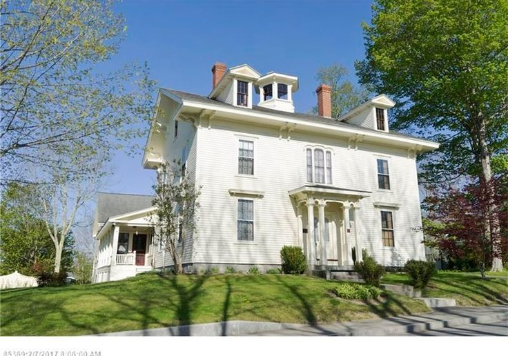 Elegant,+historic+and+oh,+so+comfortable,+the+N.G.+Hichborn+House+is+located+in+a+quaint+coastal+village+on+the+shores+of+Penobscot+Bay+where+the+pace+is+relaxed,+and+the+sailing+doesn't+get+any+finer.+Meticulously+restored+to+its+19th-century+glory+and+intelligently+updated,+this+6-BR,+5-bath+Victorian+offers+striking+architectural+details–including+a+cupola+w/views+of+the+harbor–and+all+the+modern+amenities.+The+ideal+Maine+coast+family+retreat+or+Airbnb,+it+was+once+a+succes