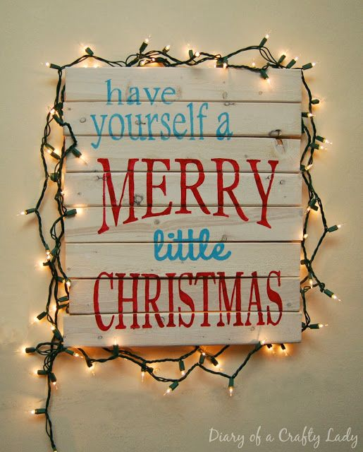 Diary of a Crafty Lady: Have Yourself a Merry little Christmas - Pallet Art