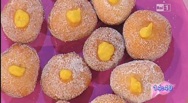 La ricetta dei bomboloni di Anna Moroni, il dolce di oggi