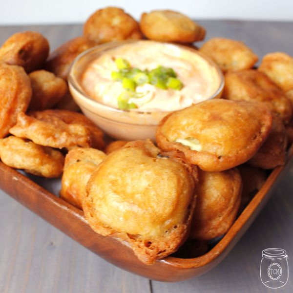Beer Battered Fried Pickles with Sriracha Dipping sauce  Must try with dill pickles instead of the Bread and Butter pickles
