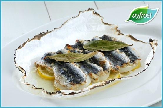 Kağıtta Sardalya - #ayfrost #sardalyafileto #sogan #tarif #dogal #tazedondurulmus #kullanimahazir #pratik #kolay #lezzetli #saglikli #onion #sardinefillet #recipe #natural #freshfrozen #readytouse #easy #delicious #healthy