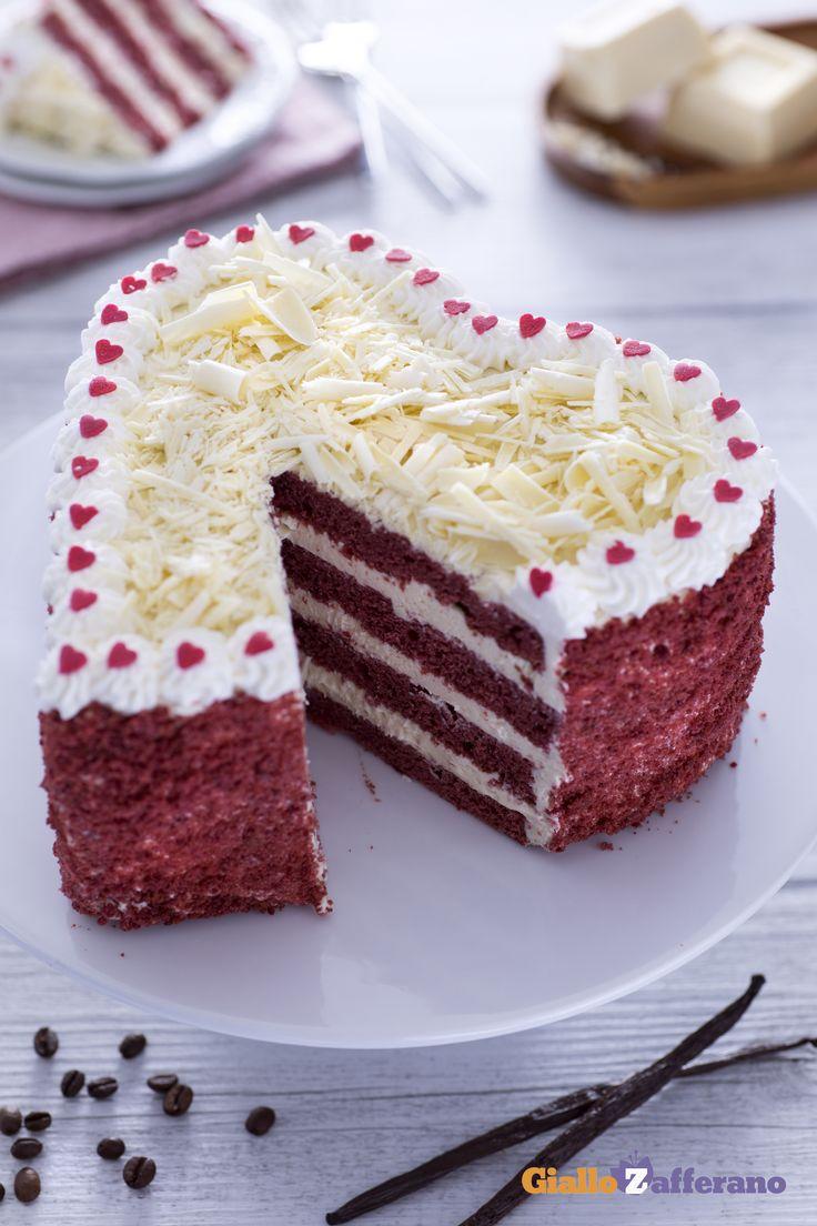 """In cucina quando si mette """"amore"""", si vede...e il cuore di #redvelvet con mousse al caffè (red velvet heart cake with coffee mousse) è il dessert ideale per concludere una cena romantica. #SanValentino #ricetta #GialloZafferano #ValentinesDay"""