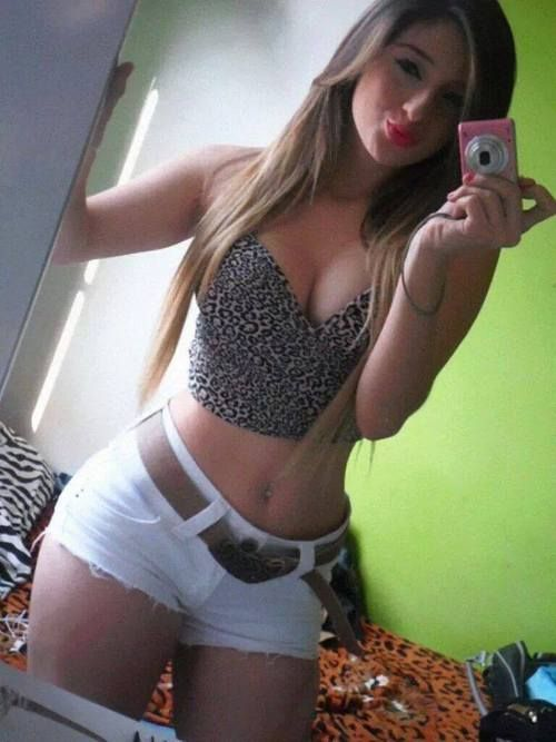 Sweet Young Hot And Sexy Brasilian Amateur Teenage Selfie