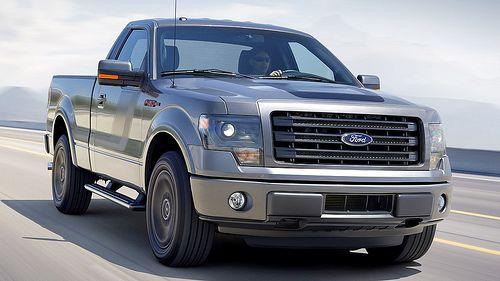 La Ford F-150 Tremor, que usará exclusivamente el motor Ecoboost V6, será lanzada con tracción en dos ruedas, como una opción deportiva pero menos radical que la Raptor. El bloque que porta es de 3.5 litros, con 365 HP y 420 libras-pie de torque. Por lo pronto, esta pickup estará a la venta en Estados Unidos hacia el último trimestre del año, con cabina sencilla, en cuanto a precios, aún no se conocen. Tampoco sabemos si vendrá a México.