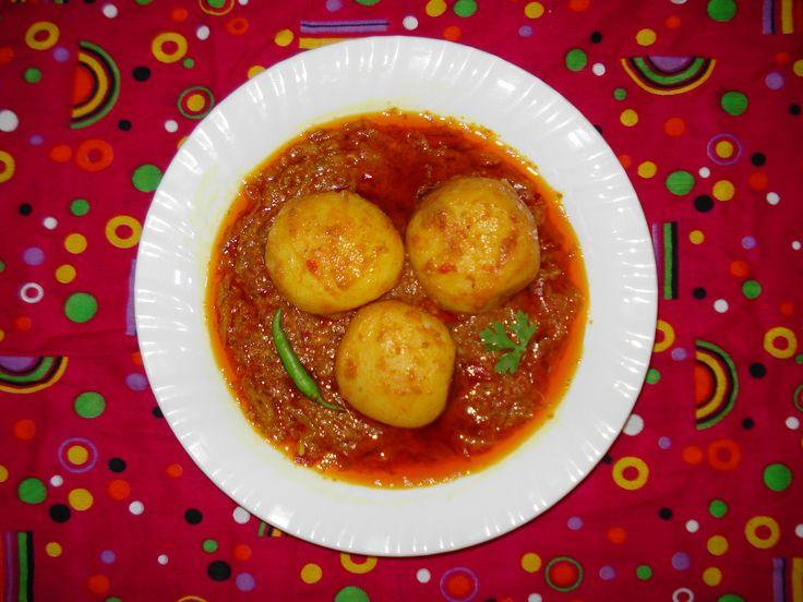 Cuisine of Karachi: Kashmiri Dum Aaloo (Kashmiri Potato Curry) کشمیری ...