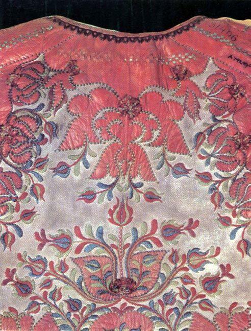 15-11-11  A woman's sheepskin jacket   Tordaszentlászló, former Torda-Aranyos County   Budapest, Ethnographical Museum   Károly Szelényi