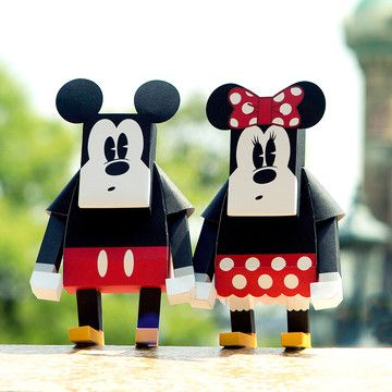 MOMOT | Disney & Marvel DIY Paper Toys