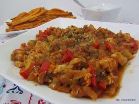 Het maken van deze tavuk sote (Turks stoofgerecht met kip en groenten) stond al heel lang op mijn 'to cook' lijstje . Maar omdat mijn man ge...