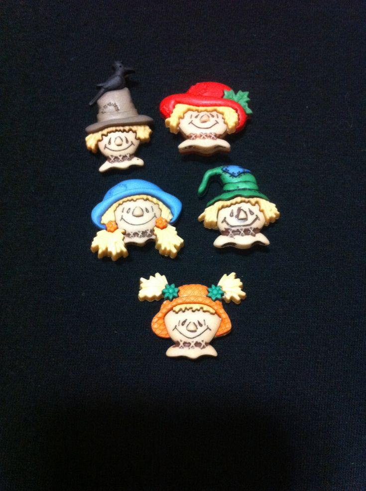Scarecrow faces Plastic  Buttons/ Sewing supplies / DIY supplies / Novelty Buttons / Party Supplies / Kids craft supplies - pinned by pin4etsy.com