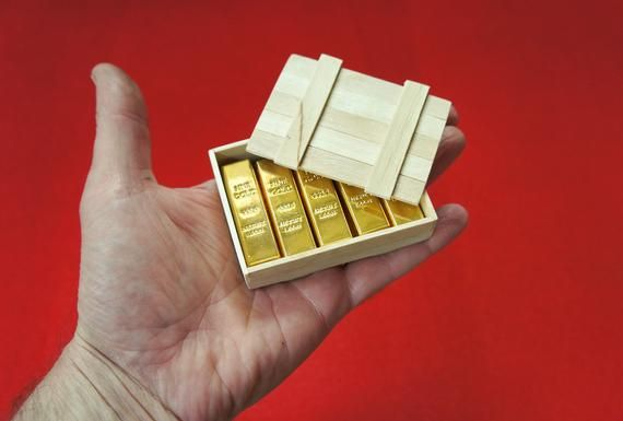 1 6 Scale Miniature Gold Bullion Bars 10 Pcs And Wooden Crate In 2020 Gold Bullion Bars Gold Bullion Bullion