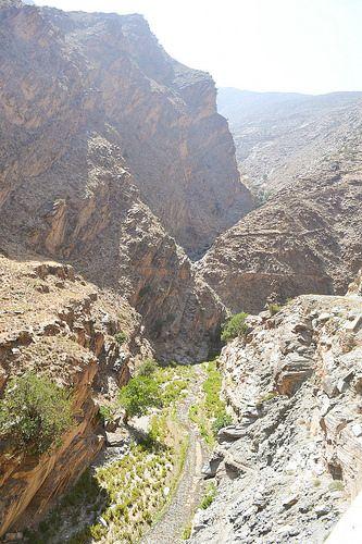 無骨な岩肌がかっこいいアトラス山脈