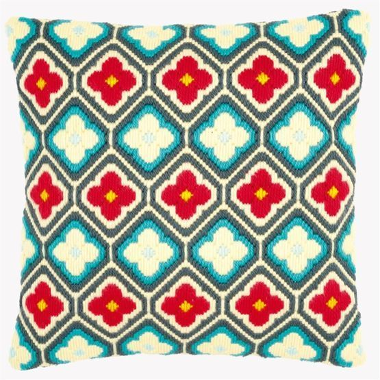 A bright cushion panel kit with an eye-catching geometric design and gorgeous flowery motifs!