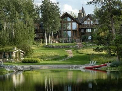 The property of this 12,000 Sq Ft. Log Home on over 30 Acres is a DREAM.Lakes House, Hole Luxury, Acre 22000000, Real Estate, Luxury Real, Grand Estate, 33 76 Acre, Logs Home, Acre Property