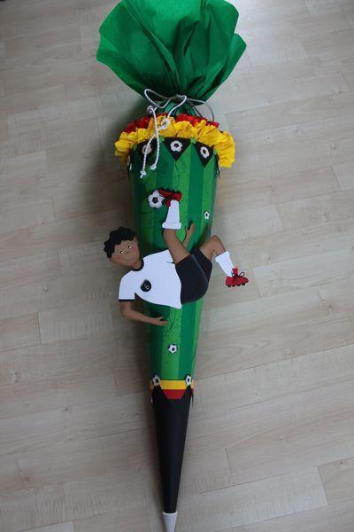 Schultüte+Fußballer+von+Kopf-Art+auf+DaWanda.com