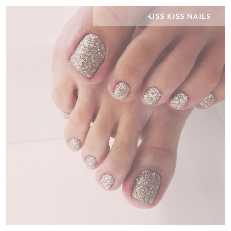 #kisskissnails #beautylounge #athens #psychiko #pedicure #pampering #metime #nailart #naildesign #nailsoftheday #nailstoinspire #personalstyle #oursuggestion #nailsofig #nailsofinstagram #notd #nailinspo #nailitdaily #zoya #zoyacosmo #10free #vegan