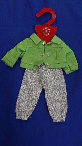 Goetz-3401902-Jump-Suit-mit-gruener-Jacke-25-30cm-Puppenkleidung