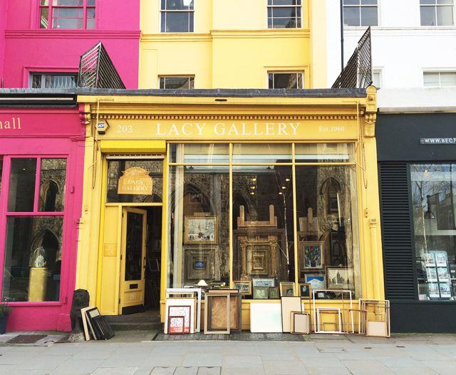 今回はロンドンのノッティングヒルにあるとても素敵なフレーム屋を紹介します。 お店の名前は...