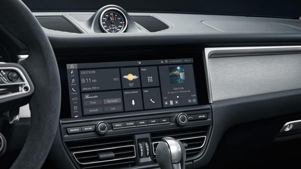 porsche dashboard infotainment touchscreen display  #Porsche #Macan #SUV #crosso…