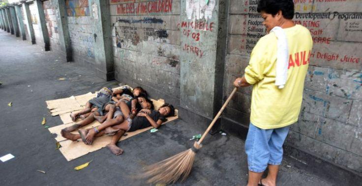 """Brasil 2014: """"Seis niños de la calle estaban durmiendo, llegó el 'coche negro', les dispararon y mataron a dos""""."""