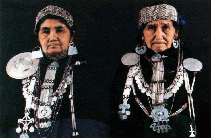 """To Mapuche women the magical nature of jewelry is so real that when they dress up they unconsciously assume an air of dignity that is expressed in their face,, bearing and voice "" 