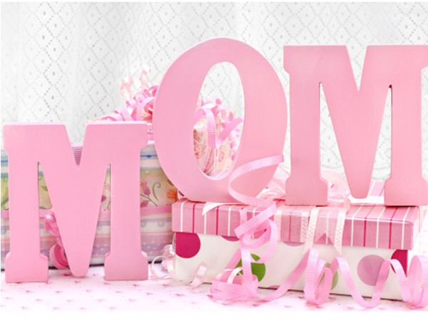 Mother's Day is a very special occasion for each one of us. It is that day on which you get another chance to express your love for mommy dearest. Nothing says 'I love you, Mom' like a heartfelt SMS. So pick one of these sweet Mother's Day SMS and make your mom's day extra special.