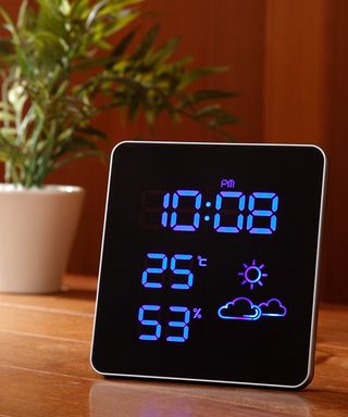 IDEA LABEL 電波スクエアLED温湿時計 (Blue) ¥10,000(税抜)