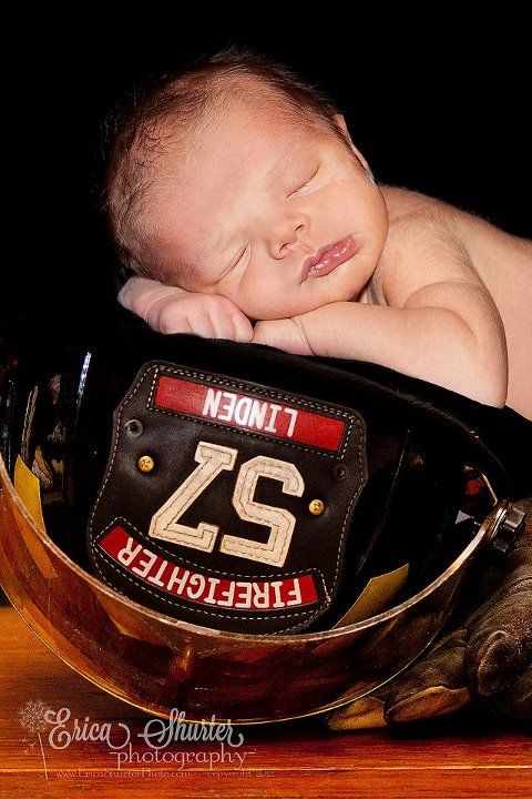 Gatlin in daddy's helmet <3  photo by: Erica Shurter Photography