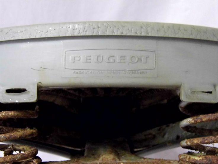 Selle Peugeot Gauthier vintage est en vente sur notre brocante en ligne Plus de photos et contact à cette adresse : http://www.lesbrocanteurs.fr/annonce-antiquaire/selle-peugeot-gauthier-vintage/