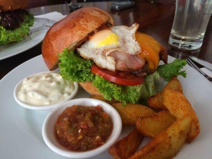 42 Gastro & Art  Elérhetőség: https://www.facebook.com/42gastro  Cím: 1137, Vígszínház utca 5.