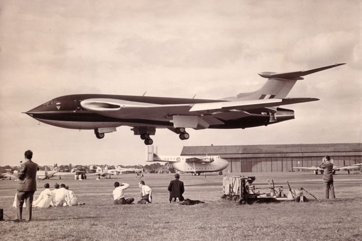 """WB771 Handley Page Victor 1st prototype Farnborough 1953"" Real plane, uncut picture"