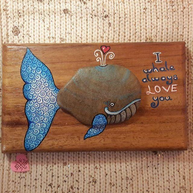 Aşk budur... #tasboyama #stoneart #stonepainting #sassidipinti #paintingstones…