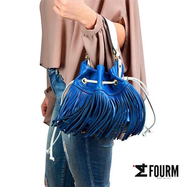 Per i tuoi look, scegli carattere e personalità! La cura dei dettagli è fondamentale... Basta anche solo un semplice jeans e una t-shirt se a completare l'outfit c'è una borsa così!!! Scegli #iFourM! www.ifourm.it