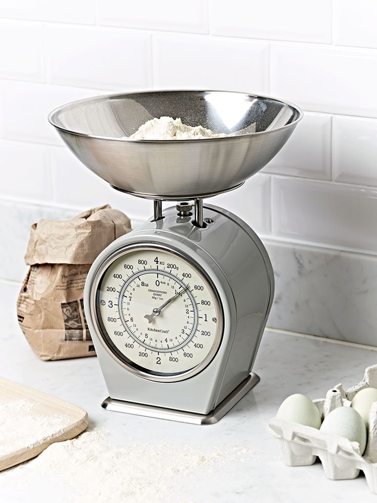 An essential for any avid baker, our quality upright kitchen scales have a beautiful grey painted finish and large detachable stainless steel measuring pan. These stylish scales measure in both grams and ounces and can weigh up to 4kg/8.8lb in 20g/1oz increments. With a handy add-and-weigh dial under the bowl, these scales are perfect for all sorts of baking and cooking.
