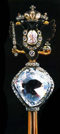 les 17 meilleures images du tableau couronne de russie sur pinterest couronnes bijoux royaux. Black Bedroom Furniture Sets. Home Design Ideas