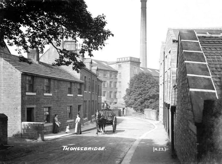 0135 Huddersfield Road, Thongsbridge 1910.