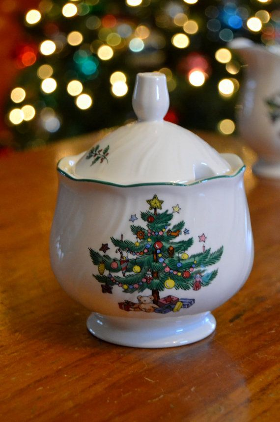 Nikko Happy Holidays SUGAR BOWL with lid Christmas tree stars presents holiday Japan ironstone pottery vintage dinnerware & 59 best G2P Vintage Holiday images on Pinterest | Vintage holiday ...