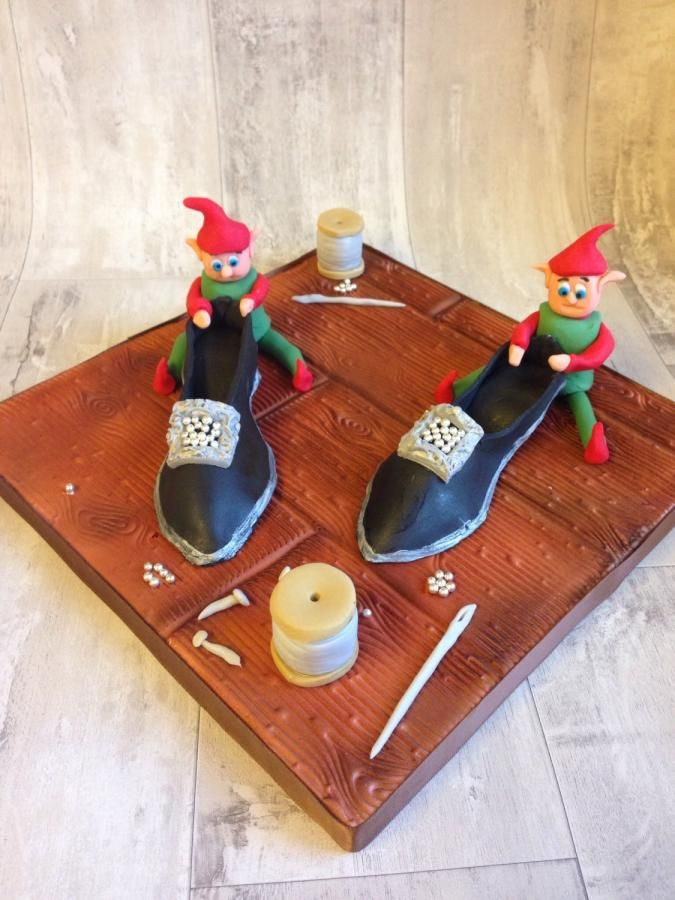 The Elves and the shoemaker Grimms fairytale collaboration  - Cake by Daisycupcake