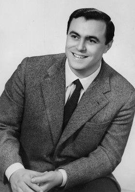 Luciano Pavarotti:een heel jonge tenor nog (1935) zijn inkomsten breken alle records