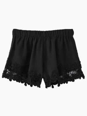 Black Hook Flower Lace Hem Shorts