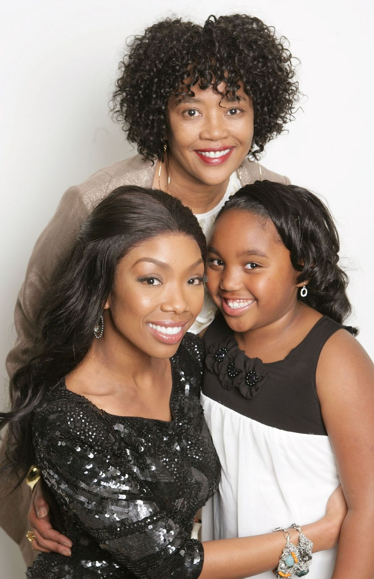 Brandy with daughter and mom